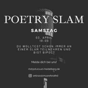 Ein Sharepic mit schwarzem Hintergrund bildet ein Mikrophon im Hintergrund ab. Darauf steht: Poetry Slam, Samstag, von Rassismus betroffene Menschen.
